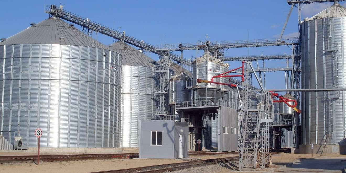 Grain elevators and terminals